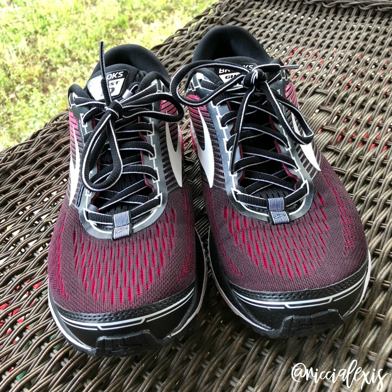 20c8334ac8e81 The Ghost 10 also has Omega Foot Grooves to optimize forefoot flexibility.  Cost-wise the Ghost 10 is about middle range for Brooks shoes and I think  they ...